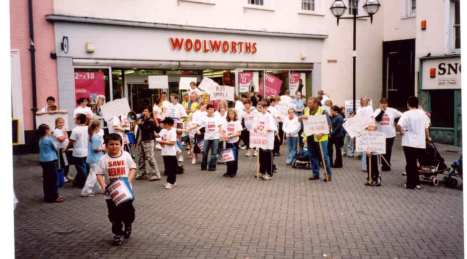 Hermon school campaign marchers outside Woolworths in Haverfordwest